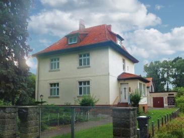 Villa an Wald und Wasser