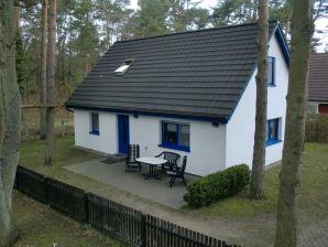 """Ferienhaus """"Kühn"""" auf 550 m² ruhigem Waldgrundstück"""