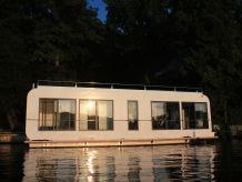 Hausboot White