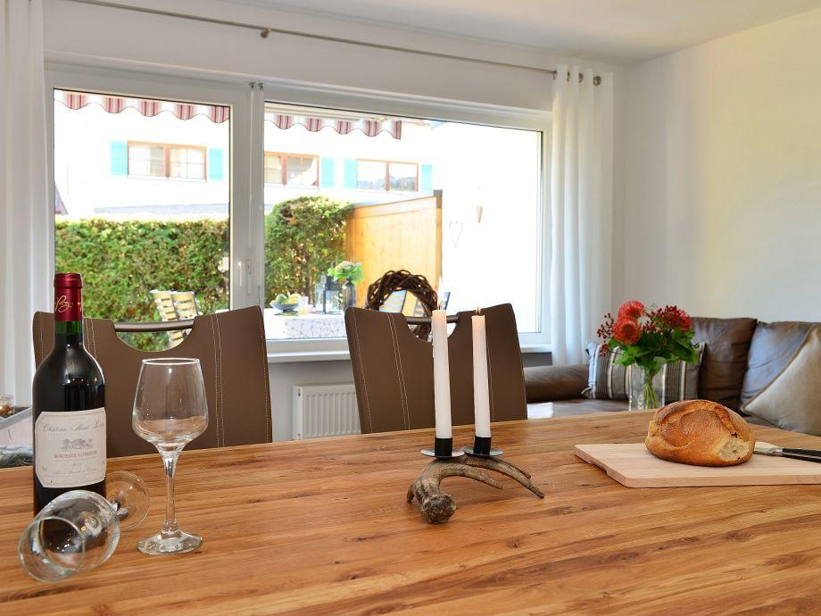 ferienwohnung edelweiss oberallg u fischen im allg u firma charivari ferienwohnungen frau. Black Bedroom Furniture Sets. Home Design Ideas