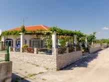 Ferienhaus Mladen (44771-K1)