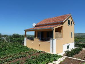 Ferienhaus Damir (46681-K1)