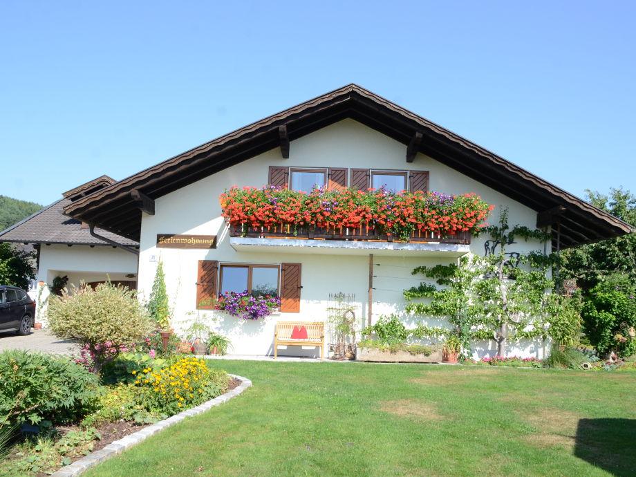 Willkommen in unserem Haus und Garten