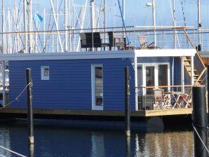 "House boat ""Bosse"""