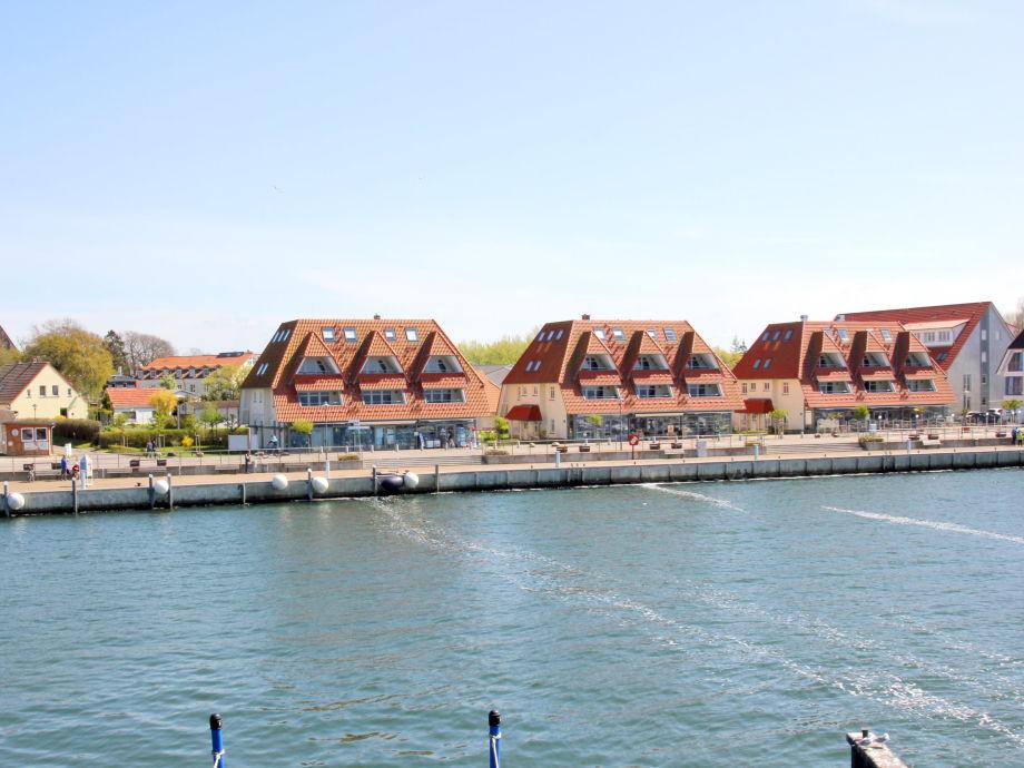 FeWo direkt am Hafen von Wiek
