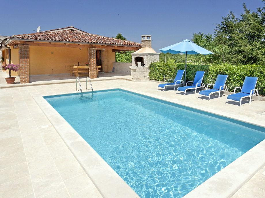 Ferienhaus Nuky mit Pool