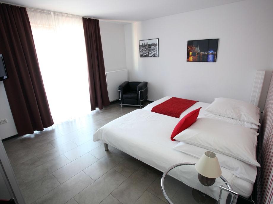 ferienwohnung 2 zimmer in k ln zentrum k ln nordrhein. Black Bedroom Furniture Sets. Home Design Ideas