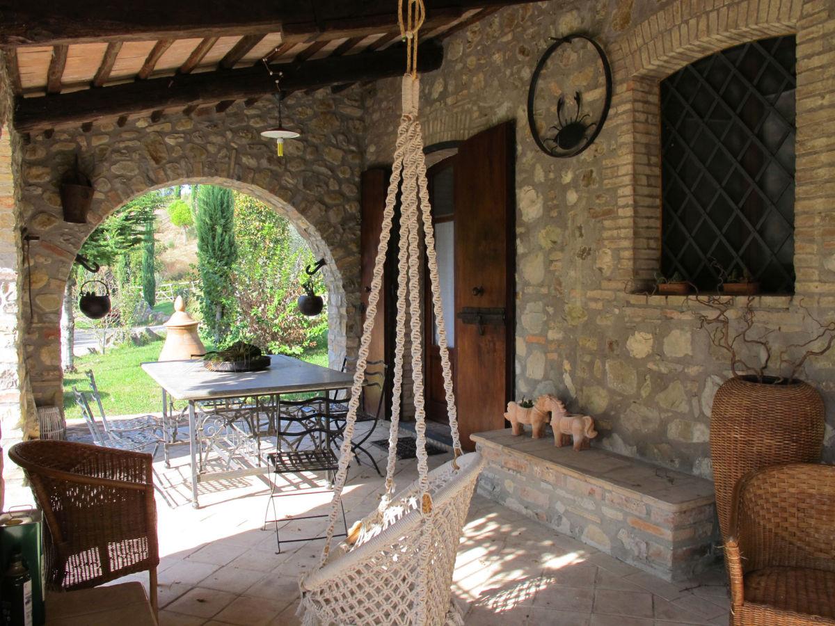 ferienhaus villa paola umbrien allerona firma. Black Bedroom Furniture Sets. Home Design Ideas