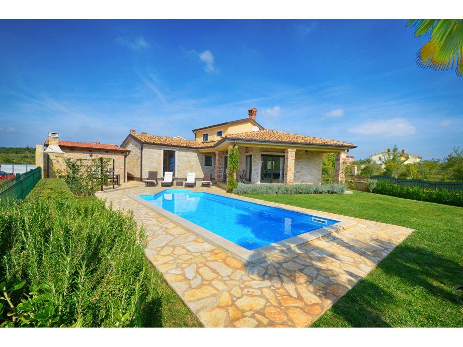 Villa Sima mit Pool, Istria - Firma SOLIS POREC - Frau Iris Leto Bulesic