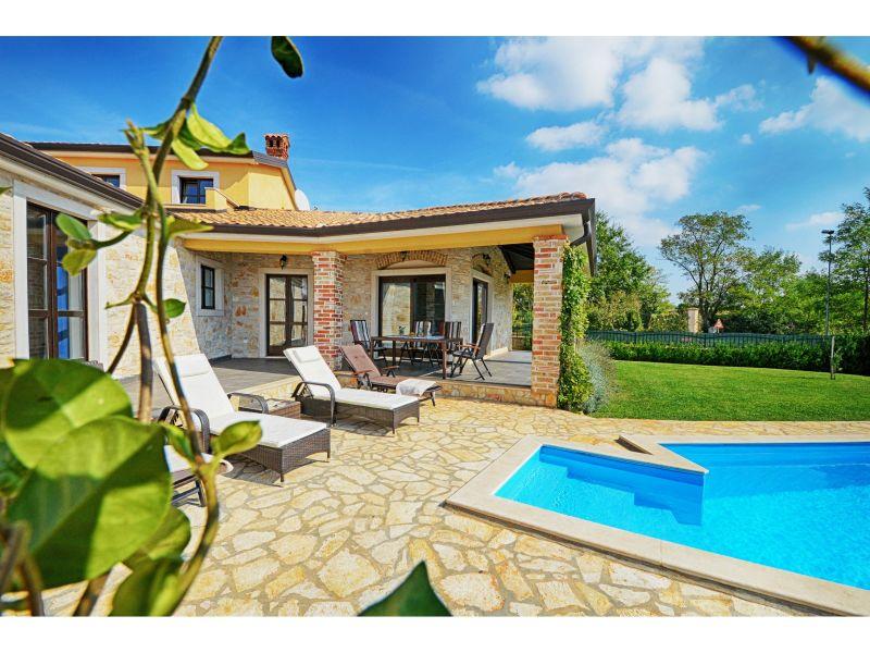 Villa Sima mit Pool