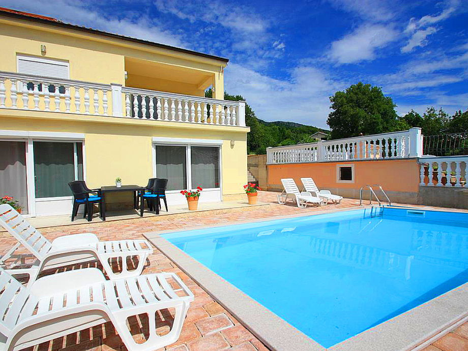 Die Villa Sunshine mit Swimmingpool