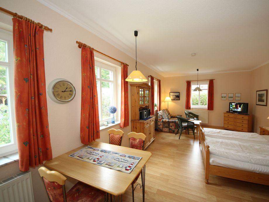 1-Zimmer-Apartment mit Doppelbett