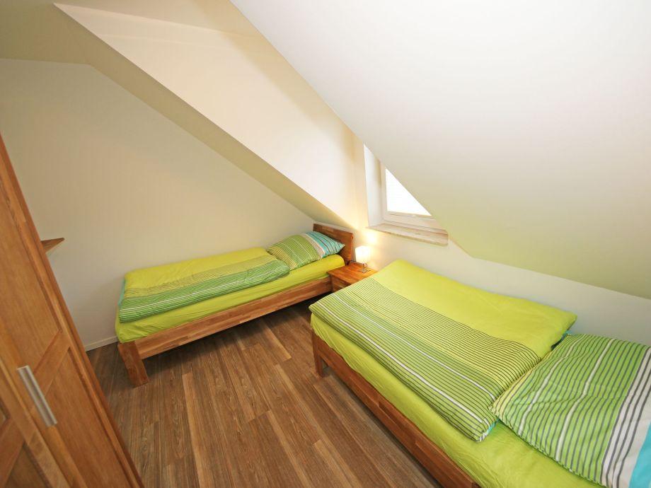 ferienwohnung 01 im haus d ne mit s dterrasse ostsee r gen firma m nchguter. Black Bedroom Furniture Sets. Home Design Ideas