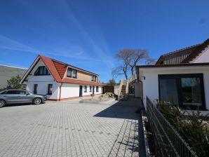 Ferienwohnung 7 im Zollhaus Klein Zicker - exklusiv mit Meerblick