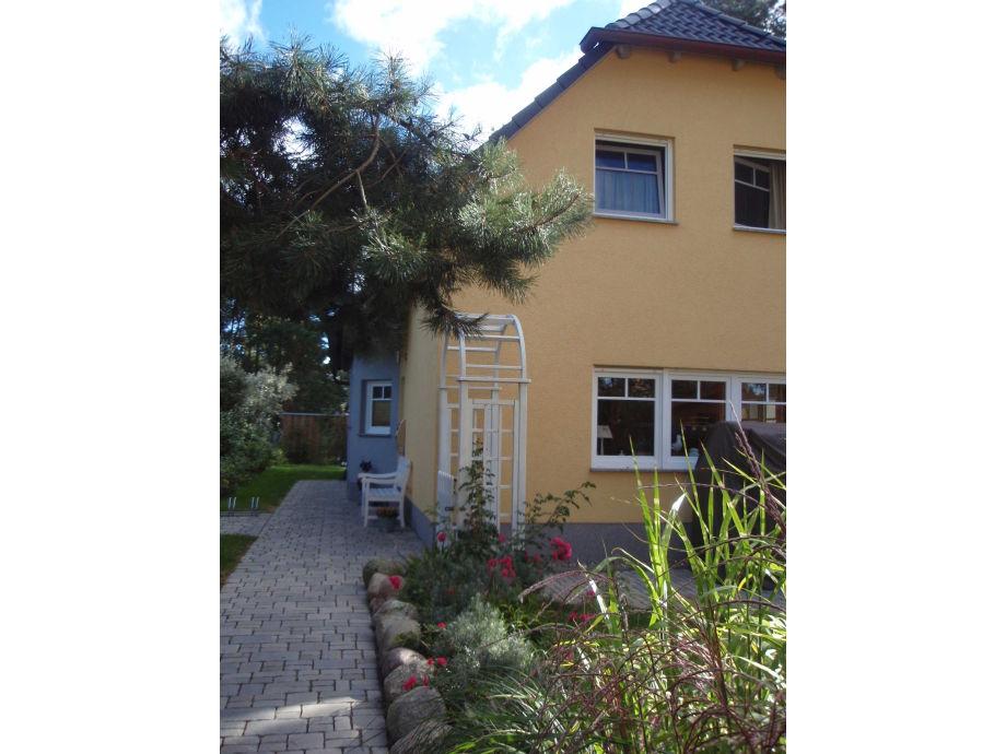 ferienhaus doppelhaush lfte weinrich mit terrasse ostsee r gen firma m nchguter. Black Bedroom Furniture Sets. Home Design Ideas