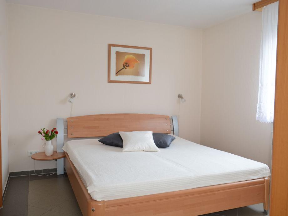 Schlafzimmer (12m²)