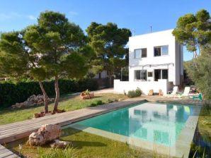 Unique villa with special pool - 42