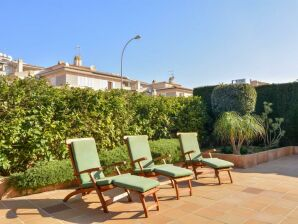 Holiday apartment Palmanova, 500 m from the beach