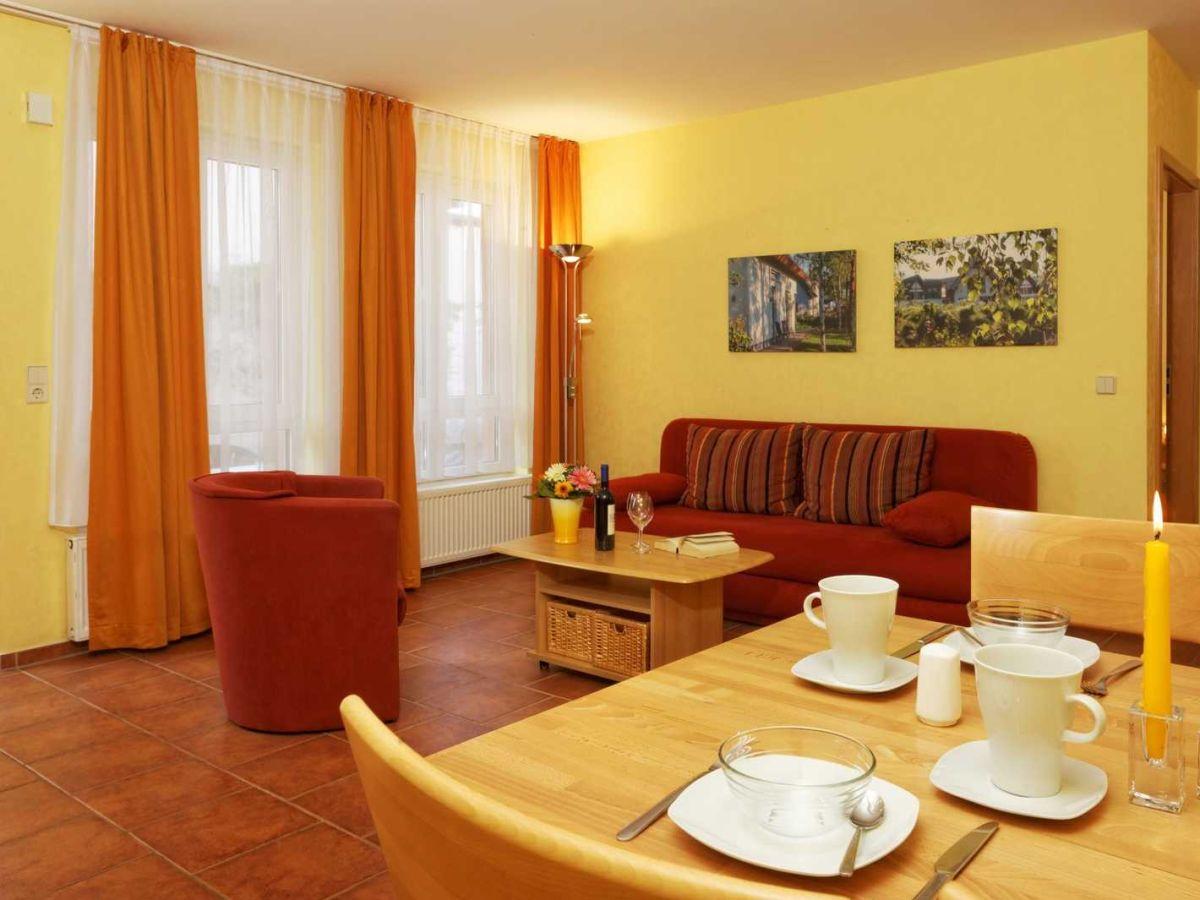 Ferienwohnung haus clara 1 03 koserow koserow firma for Wohnzimmer mit esstisch
