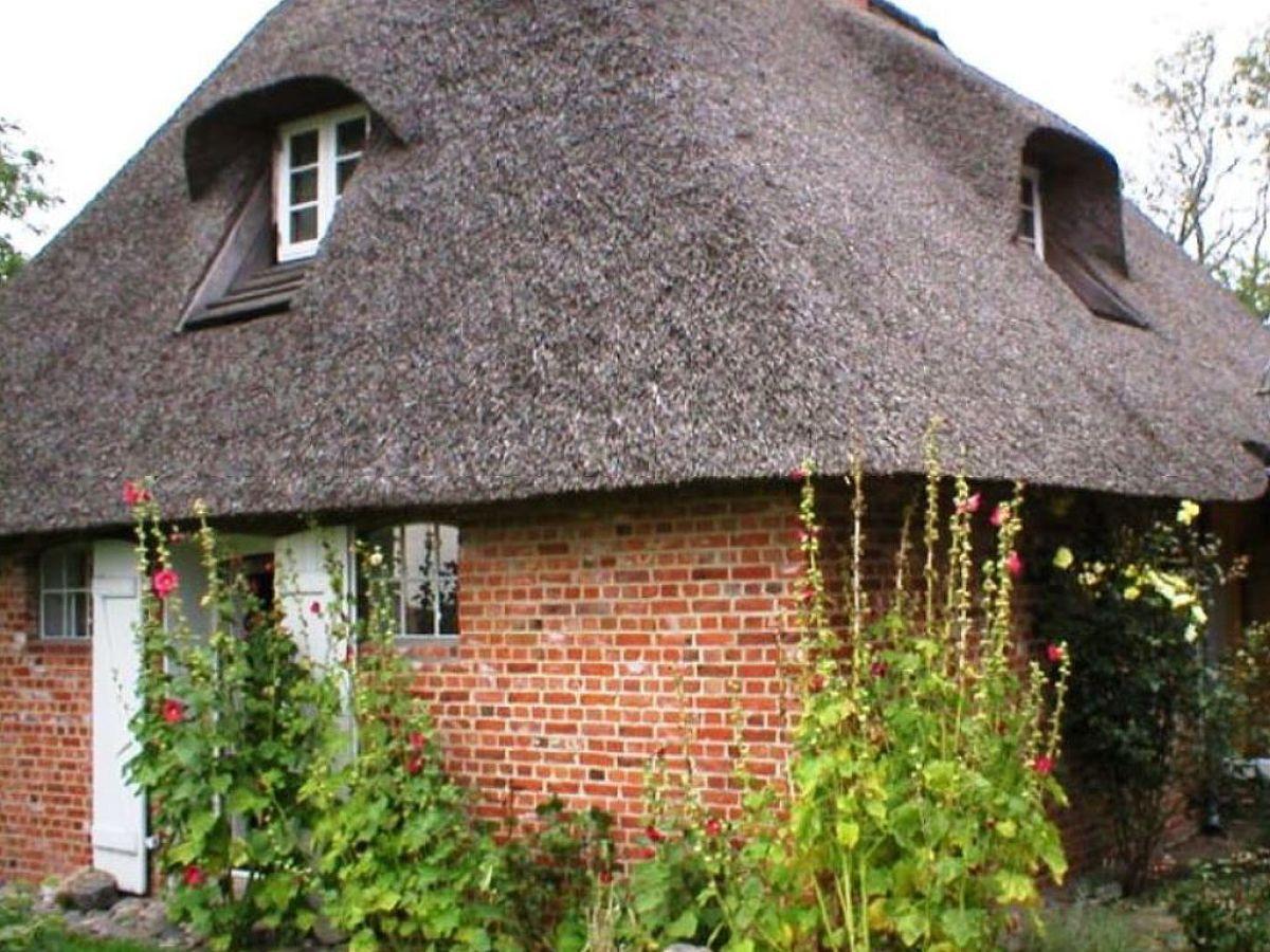 ferienhaus romantische reetdachkate nordfriesland firma frau brigitte. Black Bedroom Furniture Sets. Home Design Ideas