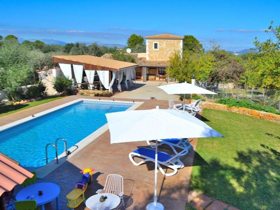 Toller Blick auf die Finca & Pool