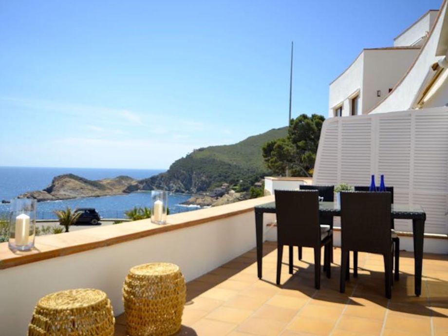 Terrasse mit Meerblick aufs Mittelmeer