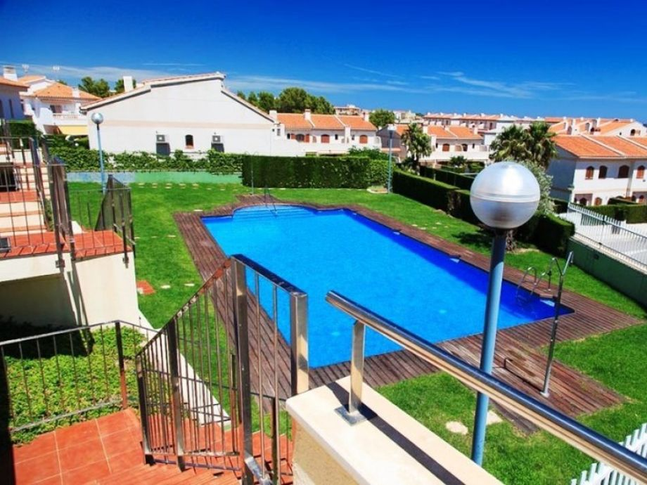Von der Terrase aus haben Sie Zugang zum Pool