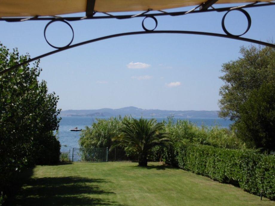 Außenaufnahme Casale San Domenico - direkt am See