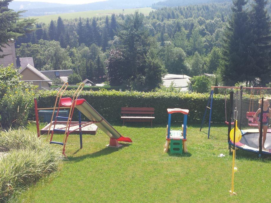 spitzers ferienwohnung 3 oberwiesenthal erzgebirge firma spitzers ferienwohnungen familie. Black Bedroom Furniture Sets. Home Design Ideas