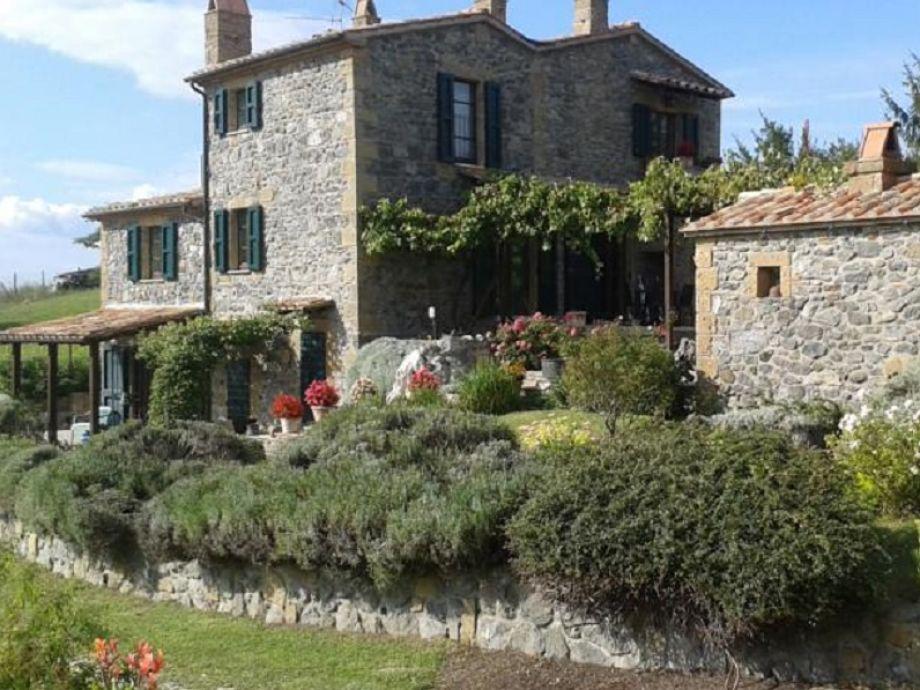 ferienwohnung casa gialla toskana pitigliano firma fereinwohnungen in italien herr michael. Black Bedroom Furniture Sets. Home Design Ideas