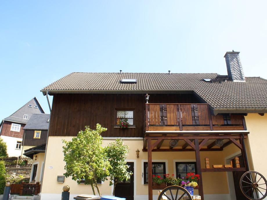Ferienhaus mit Wohnung im Dachgeschoss