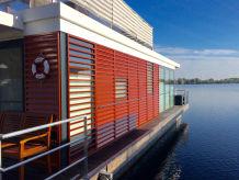 hausboot ferienhaus in xanten xanten niederrhein firma ulrike andreas orlowski. Black Bedroom Furniture Sets. Home Design Ideas