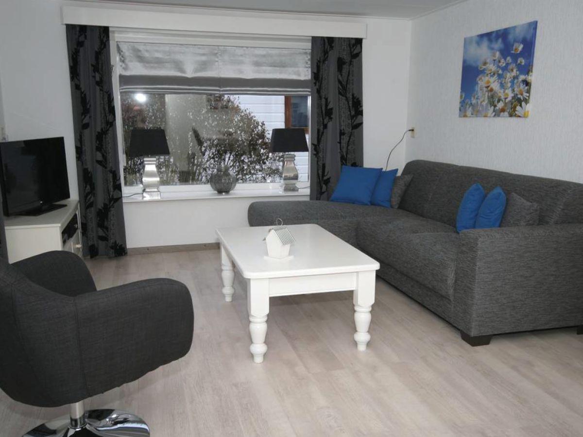 Chalet s38 ijsselmeer makkum firma chaletbemiddeling - Eingerichtete wohnzimmer ...