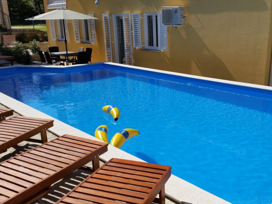 Außenaufnahme im Haus Gorica A4 mit Pool