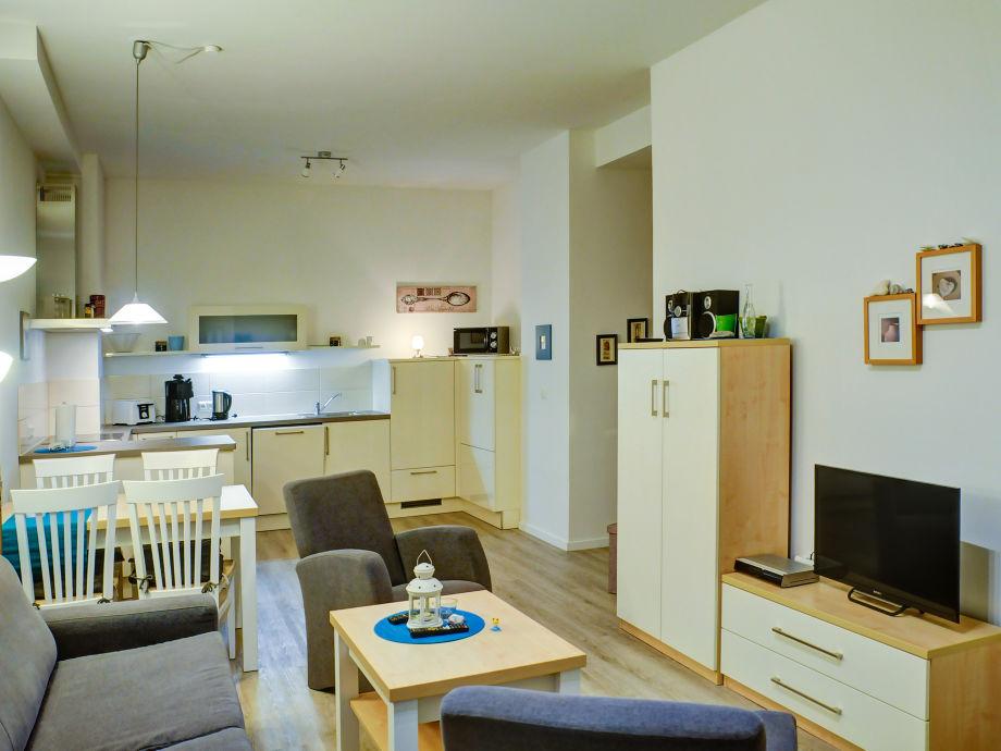 Der großzügige Wohnbereich mit Küche