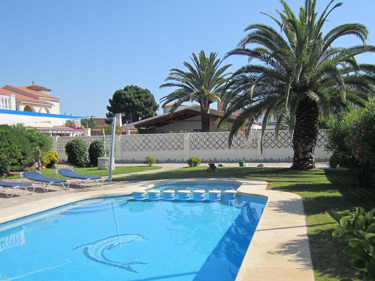 Apartment a in der strandanlage badia katalonien costa for Aussenpool komplett