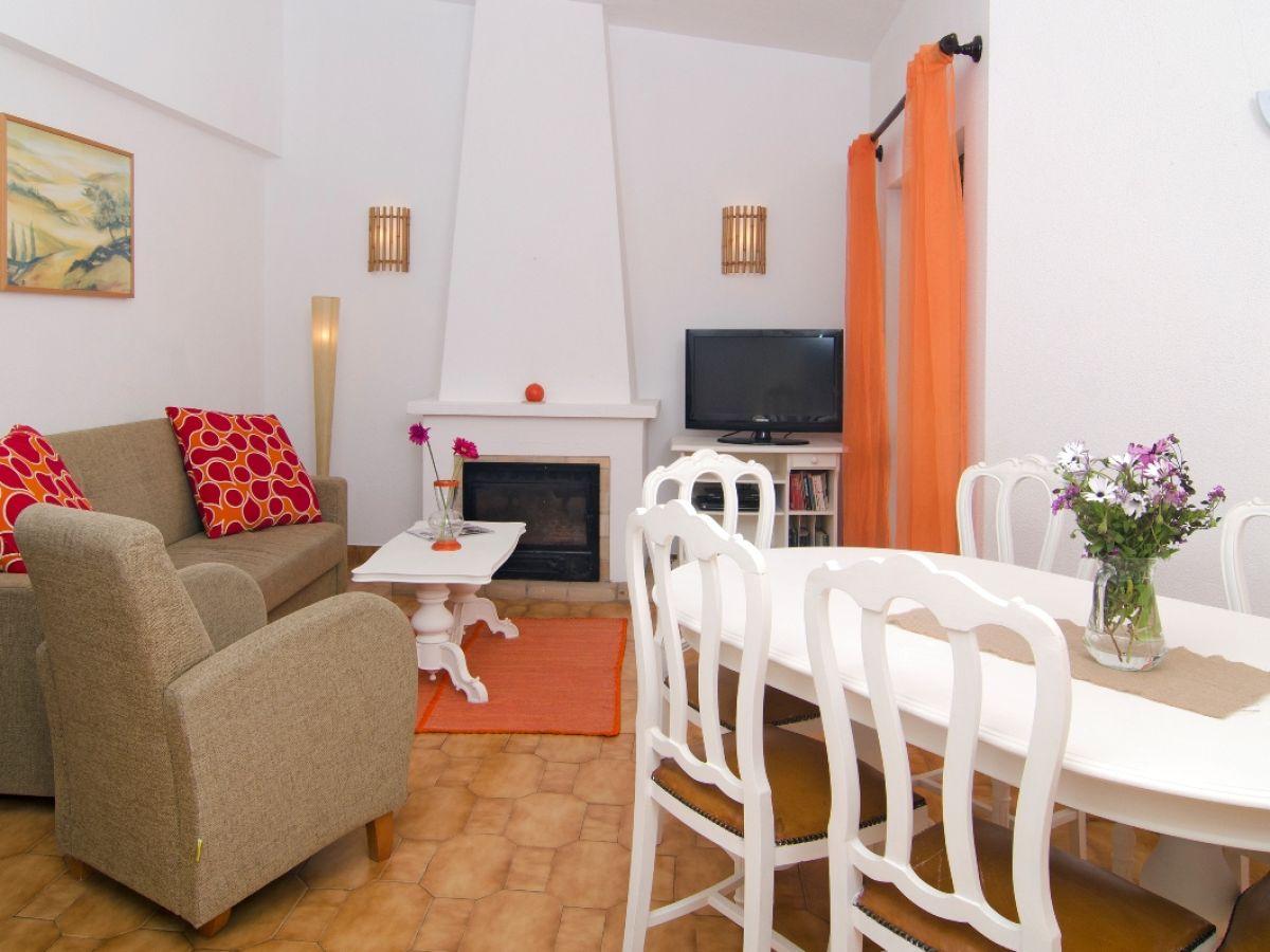 villa amarela luz bei lagos firma check in individuelle flugreisen gmbh frau blanka sauer. Black Bedroom Furniture Sets. Home Design Ideas