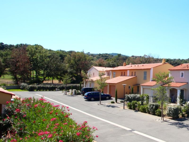 Rent Holiday houses and holiday apartments in Roquebrune-sur