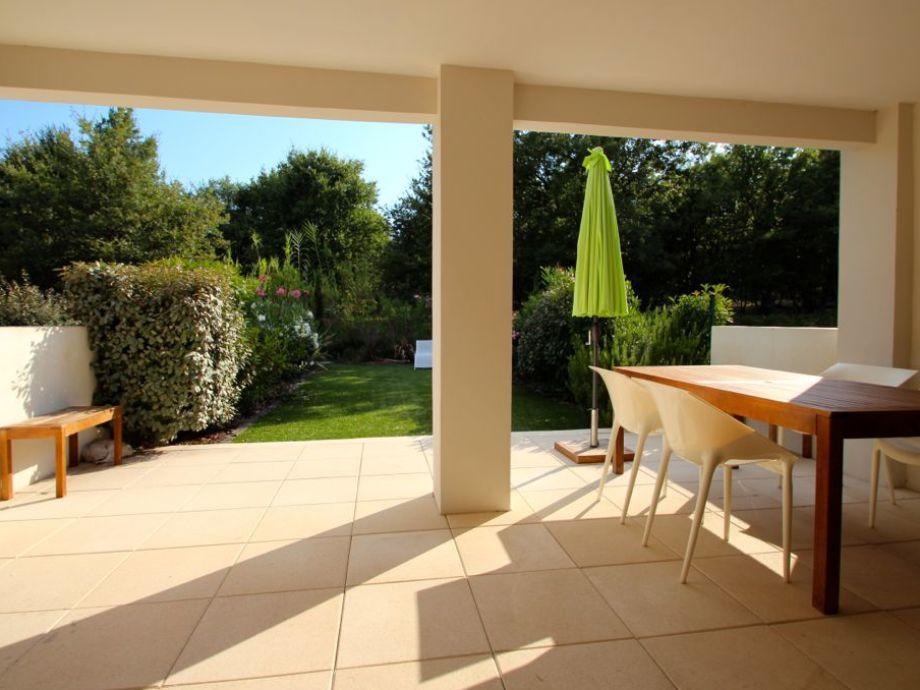 Terrace & garden with apartment Karine