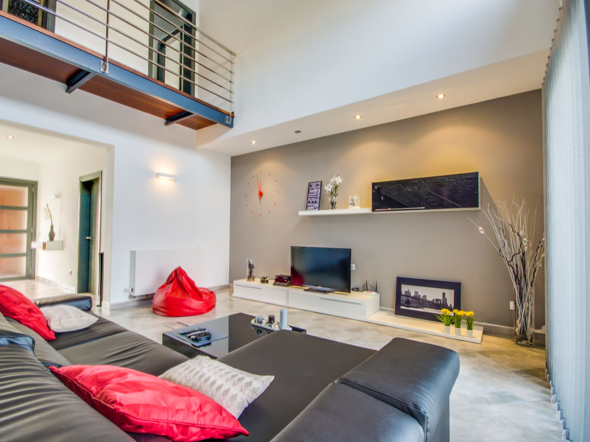 awesome wohnzimmer mit galerie modern images - home design ideas, Wohnzimmer dekoo