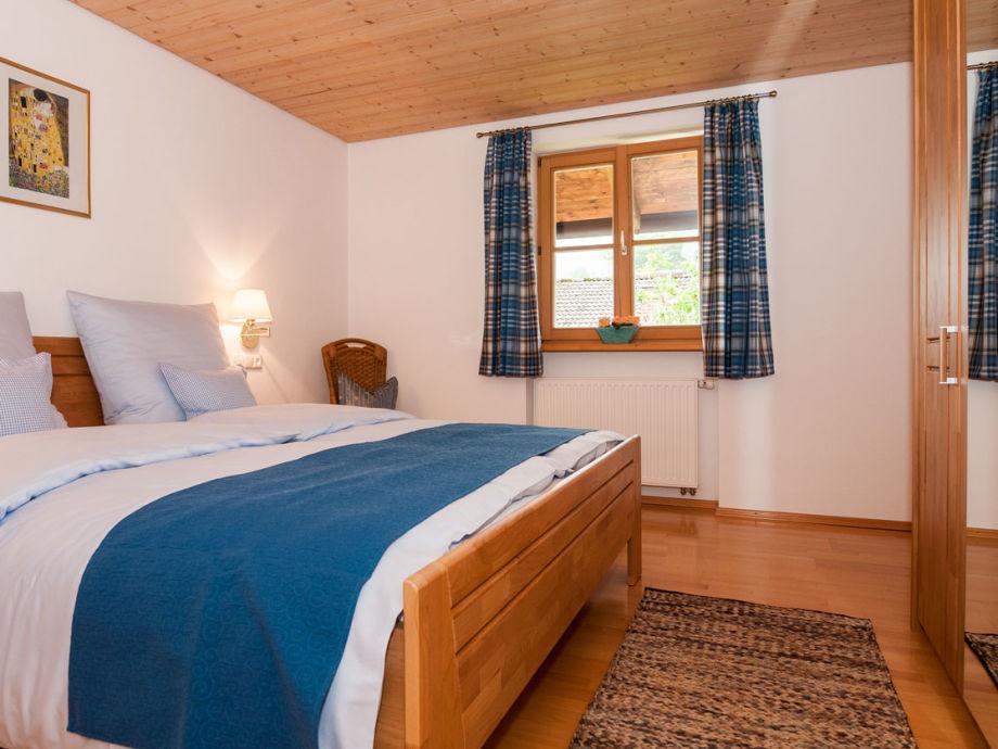 Ferienwohnung ringberg tegernsee firma ferienwohnungen for Spiegelschrank schlafzimmer