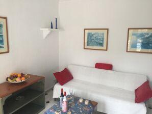 Apartment mit Meerblick & Pool