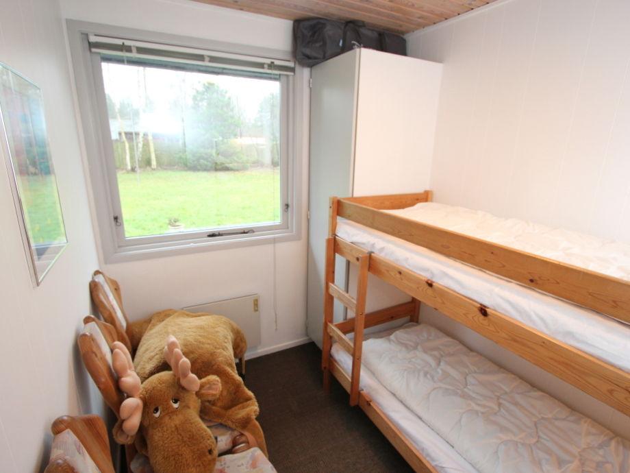 Finns ferienhaus mit sauna s d spitze falster marielyst for Etagenbett 180x200