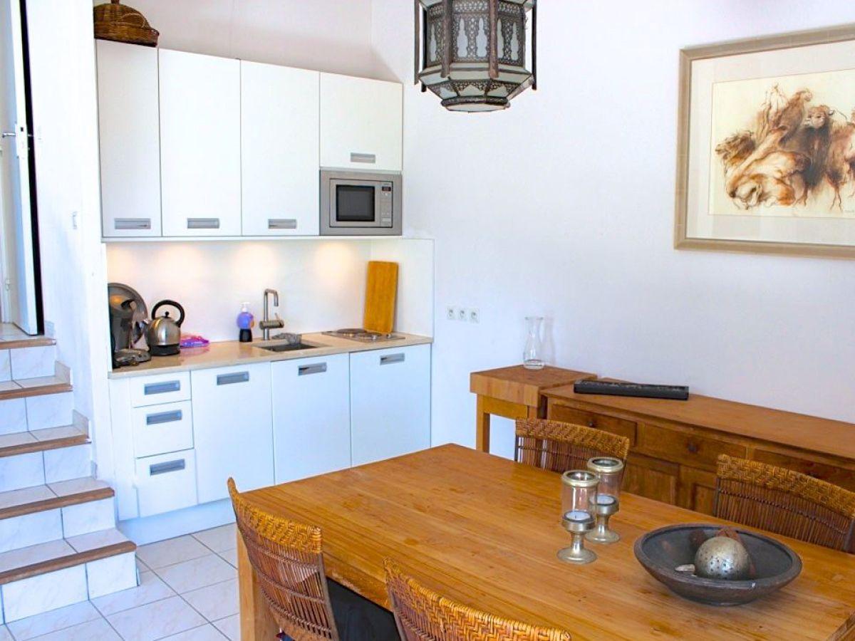 ferienhaus maison bernadette franz sische riviera c te d 39 azur firma sarl astrid segaar. Black Bedroom Furniture Sets. Home Design Ideas