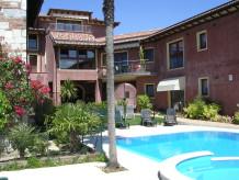 Ferienwohnung mit Privatpool in der Villa Liberty