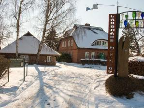 Ferienwohnung 2 im Erdgeschoss im Landhaus Mönchgut