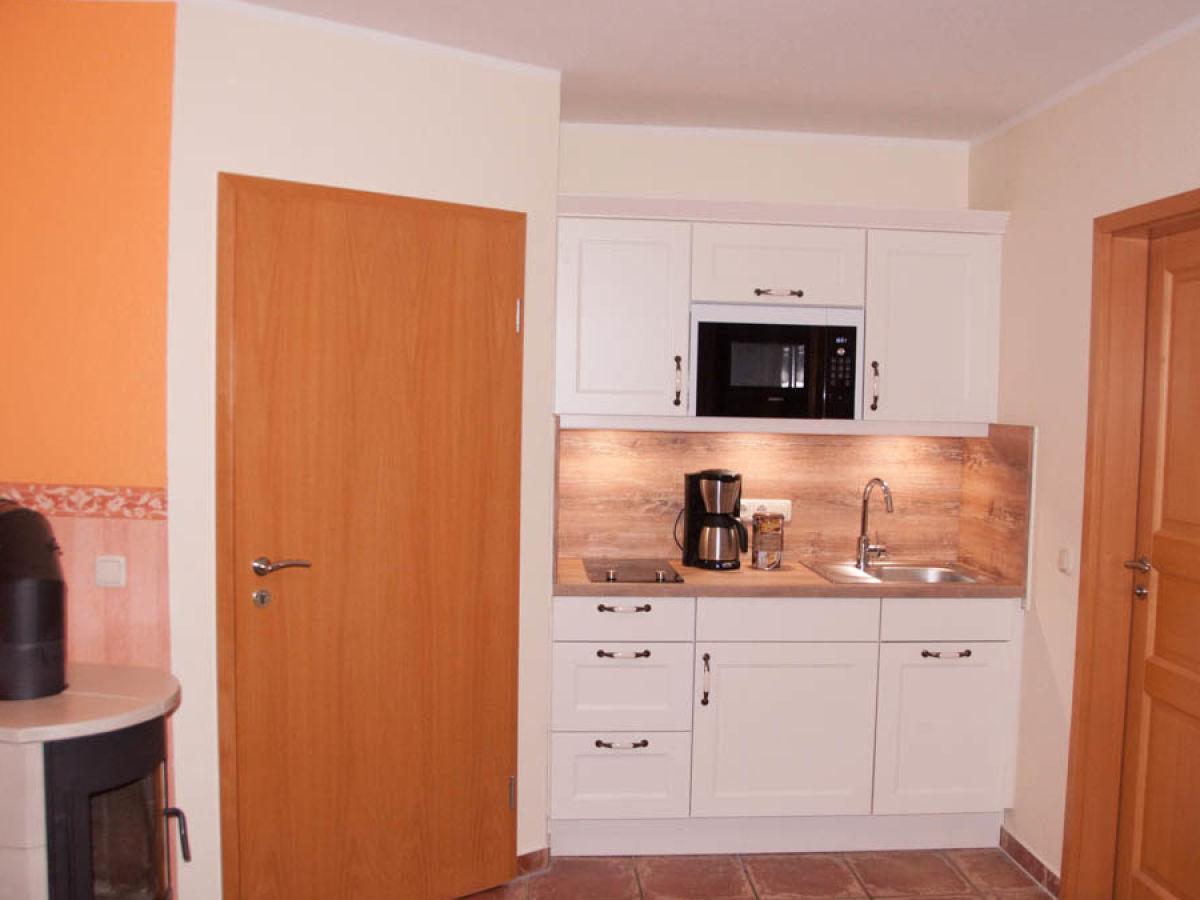 Apartment 3 im 1 obergeschoss im landhaus m nch r gen for Kuchenzeile landhaus