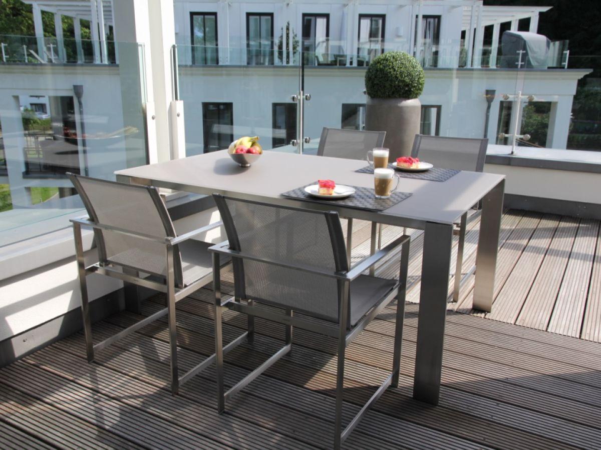 ferienwohnung spa penthouse binz in der villa amalie ostseebad binz auf r gen frau simone missing. Black Bedroom Furniture Sets. Home Design Ideas