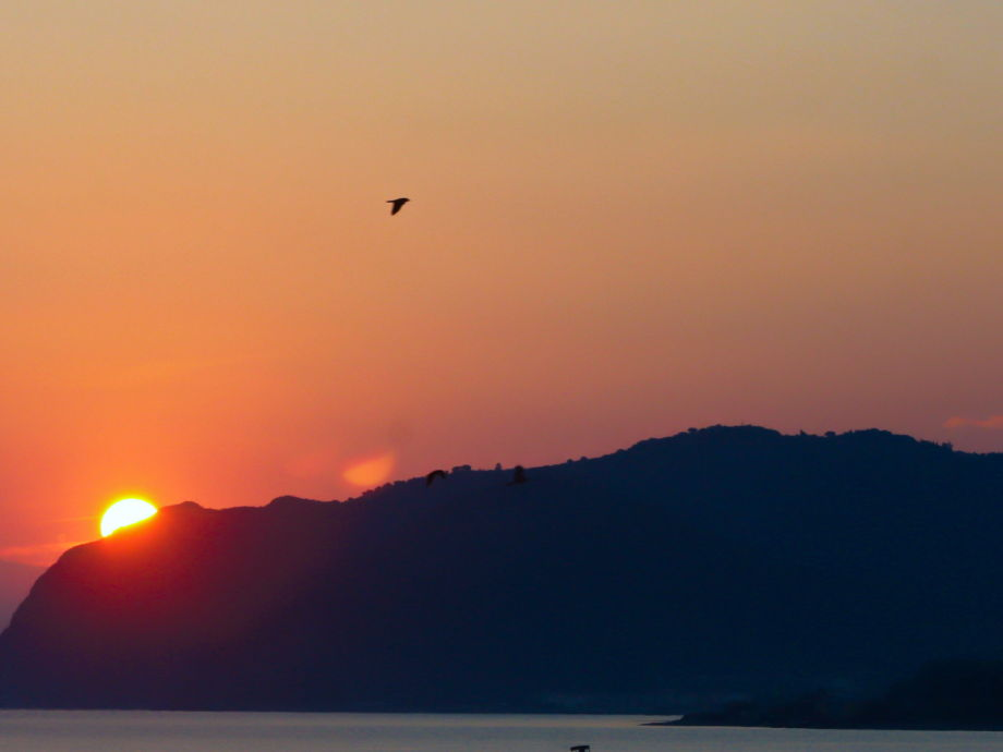 Sonneaufgang in Patti Marina