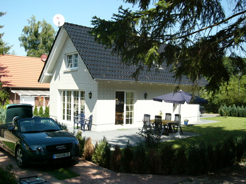 Ferienhaus Sandra, 150 m bis zum Fleesensee